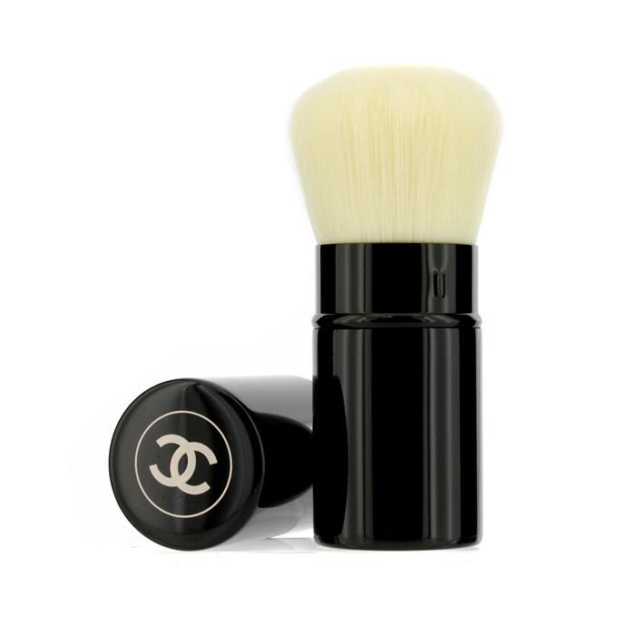 Chanel Les Beiges Retractable Kabuki Brush. Loading zoom
